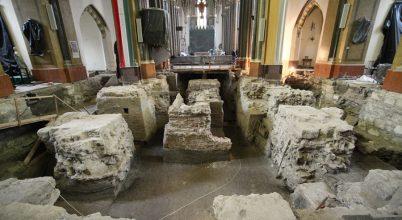 A belvárosi templomban folyó ásatásról