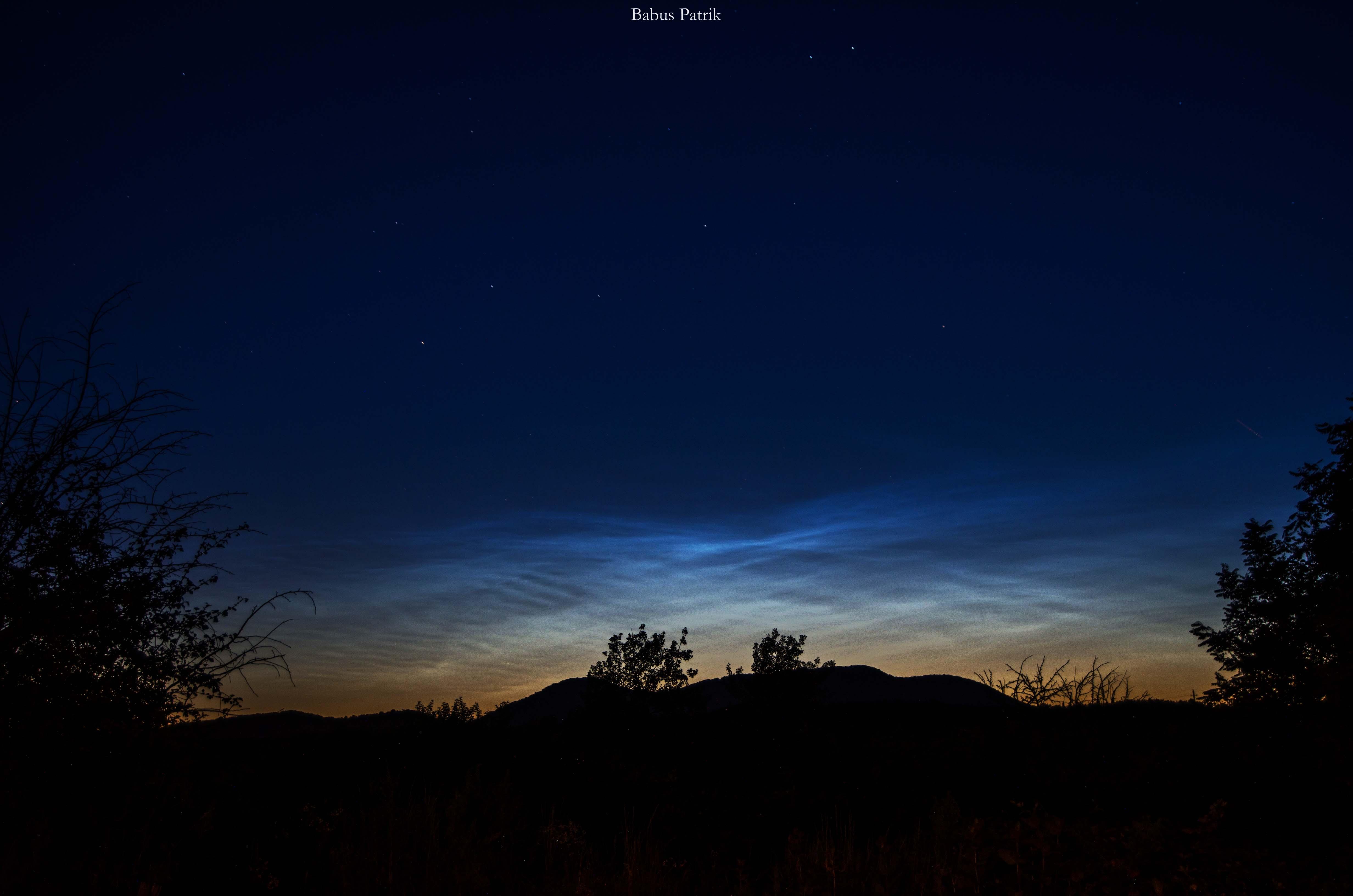 NLC (éjszakai világító felhő) a Karancs felett