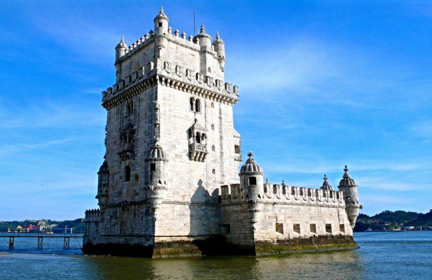 Lisszabon: emlékművek, ínyencségek, fado