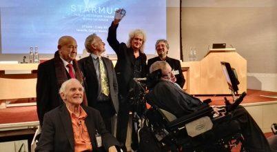 Hawking tudományos kommunikációs díjat alapított