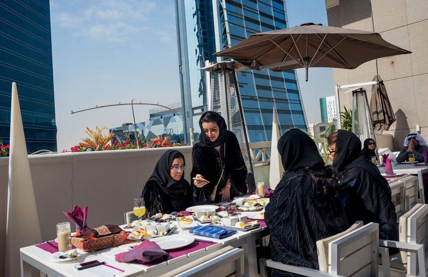 Szaúdi nők – félúton régi és új között