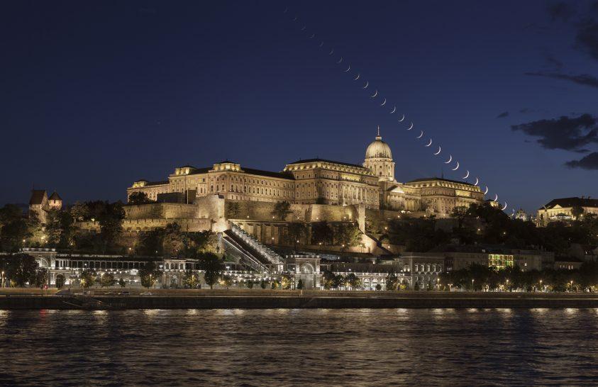 Holdnyugta a Budai Vár felett