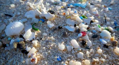 Édesvizeinket is fenyegeti a parányi plasztik