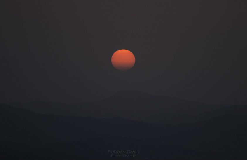 A nap képe: Naplemente a Hármashatár-hegyről