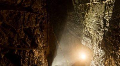 Képek a Föld legmélyebb barlangjából