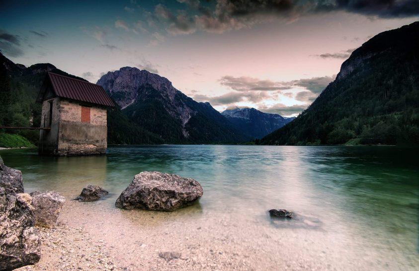 A nap képe: Ház a tónál