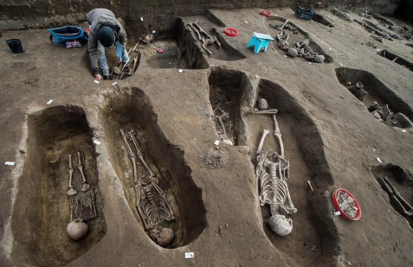 Idáig több mint ötszáz sírt tártak fel Tázláron