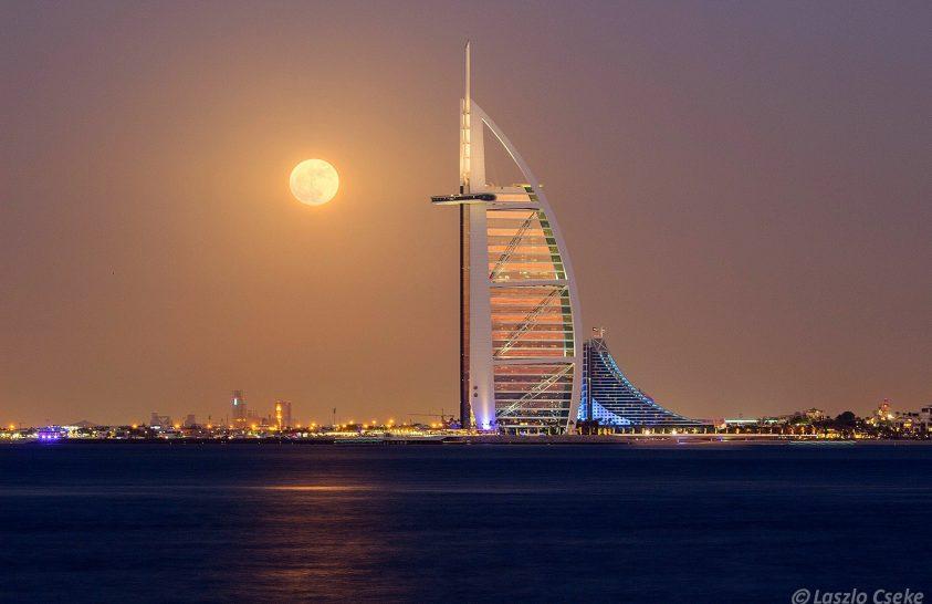 A nap képe: Szuperhold Dubaiban