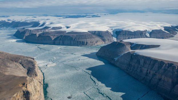 A jég vastagságának mérése az Északi-sarkvidéken