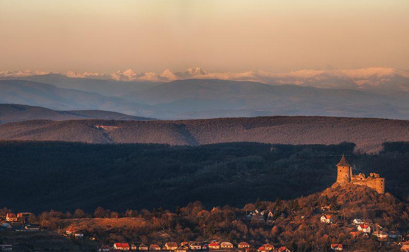 A nap képe: Somoskő vára és a Magas-Tátra vonulatai