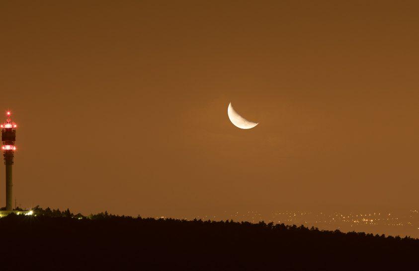 A nap képe: Holdkelte