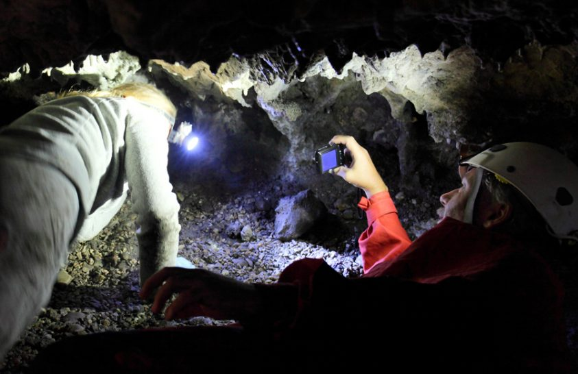 Emberi állkapcsok is rejtőztek a barlang stalagmitja alatt