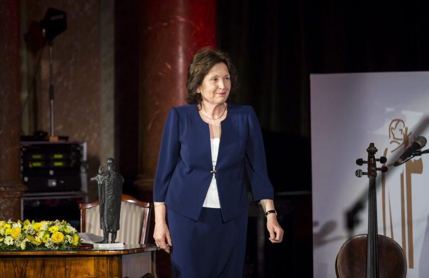 Első tudós nő a díjazottak sorában