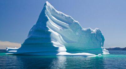 Sosem látott mennyiségű jéghegy sodródik az Atlanti-óceánban