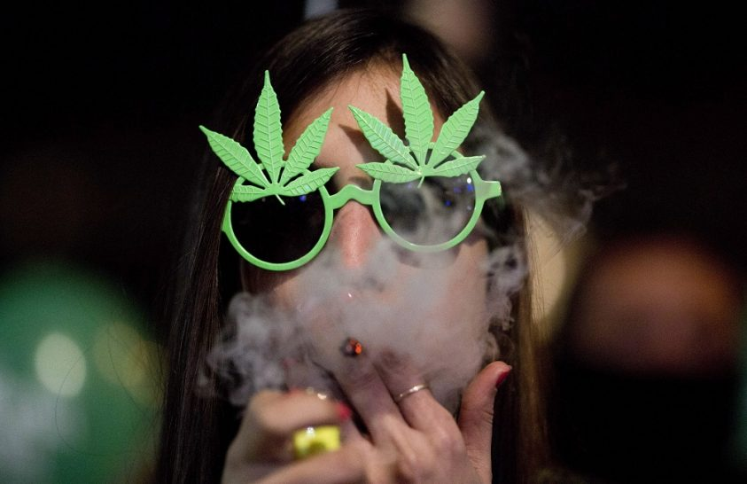 Számokkal bizonyítják, hogy a marihuána legalizálása előnyökkel jár