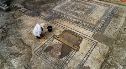 Lenyűgöző római mozaikokra leltek Dél-Franciaországban