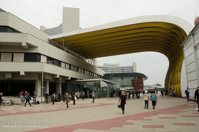 Megakonferencia Bécsben
