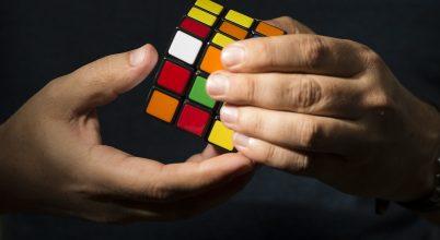 Komoly kártérítést fizethet a hamis Rubik-kocka gyártója