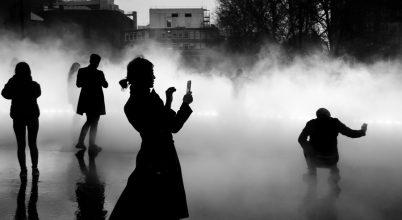 A nap képe: Fotósok a különös londoni ködben