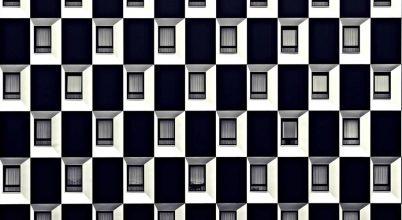A nap képe: Egy bécsi hotel ablakai