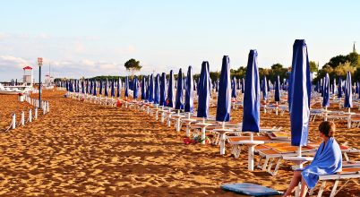 A nap képe: Egyedül a strandon