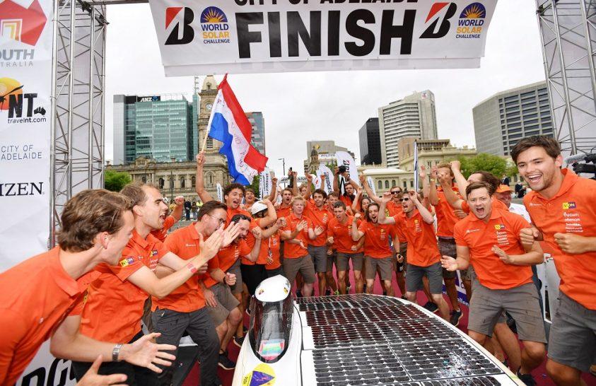 Megvan a győztes a napenergiával hajtott autók versenyén