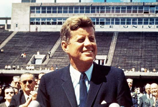 Egy vagyont ér a Kennedy által utoljára aláírt fénykép