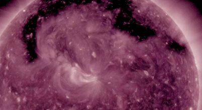 Óriási lyuk jelent meg a Napon