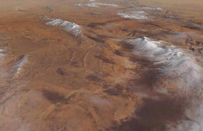 Hófödte hegyek a sivatagban