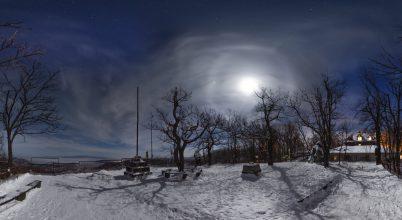 A nap képe: Kilátó és holdhaló