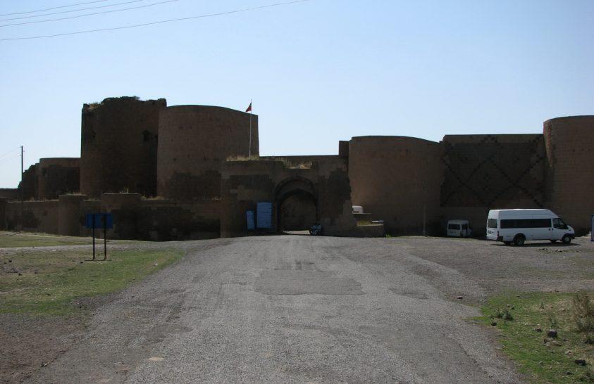 Fotók egy ősi örmény város maradványairól