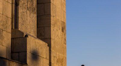 A nap képe: Pihenő turista a Citadellánál