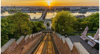 A nap képe: A Budavári Sikló aranyban