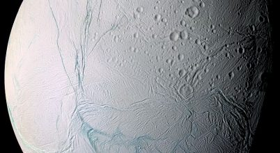 Összetett szerves molekulákat találtak a Szaturnusz egyik holdján