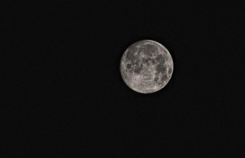 Egyre hosszabbá válnak a napok a Hold miatt
