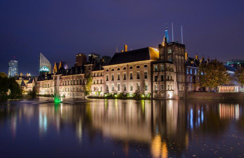 Vagyont érő könyvekre bukkantak a holland parlament raktáraiban