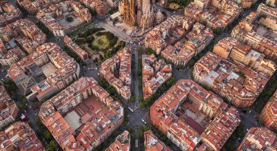 A nap képe: Barcelona légi panorámafotón