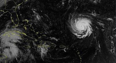 Hatalmas hurrikán tart Amerika felé