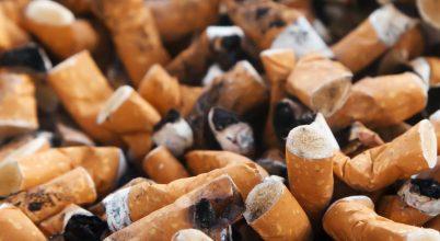 Cigarettacsikkekkel van tele az óceán