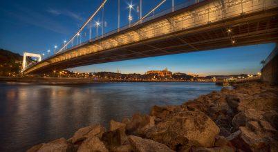 A nap képe: Az Erzsébet híd ölelése