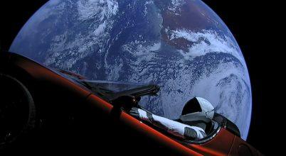 Már a Marson túl száguld Elon Musk sportkocsija
