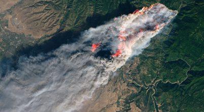 Az űrből is látni a kaliforniai tűzvészt