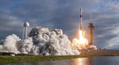 Emberi hamvakat visznek az űrbe
