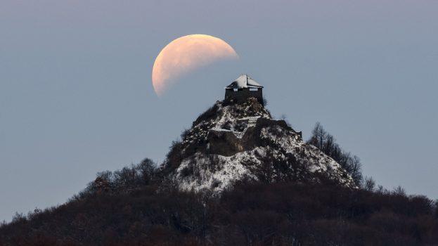 Főszerepben a Hold