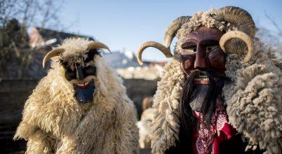 Megkezdődött a maskarás télbúcsúztató Mohácson