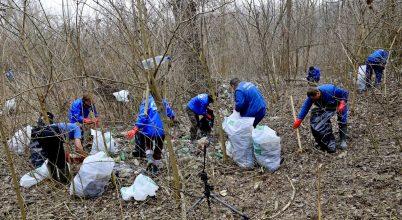 Újabb ártéri terület tisztult meg a hulladékszőnyegtől