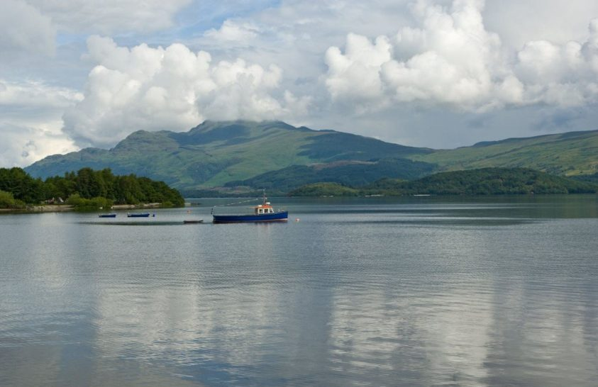 A brit tavakban és folyókban is sok a műanyag