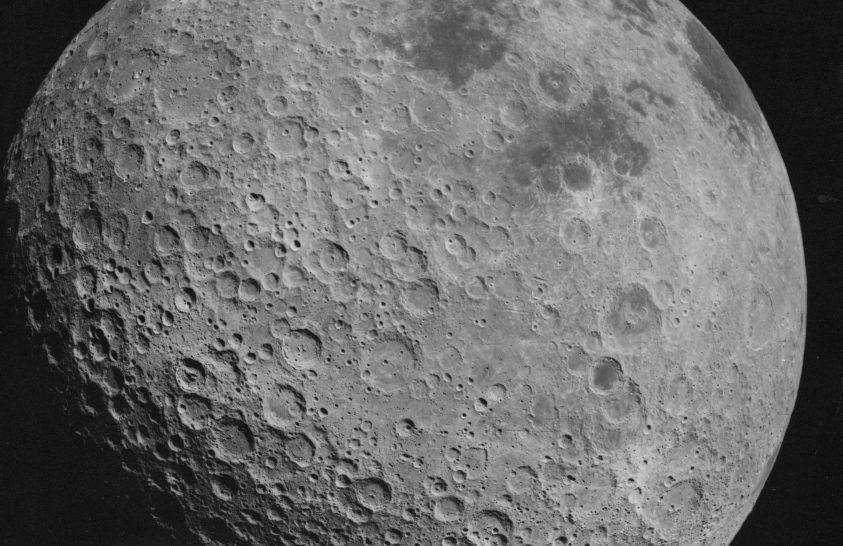 Kína 10 éven belül saját holdbázist akar