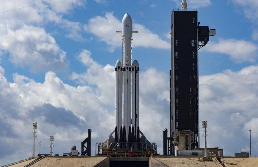 Útnak indult a második SpaceX Falcon Heavy