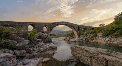 Mesi híd